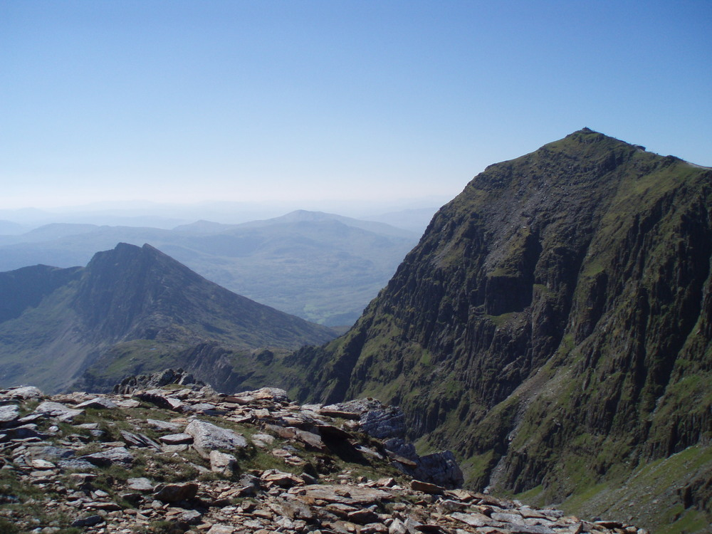 View from Garnedd Ugain: to the right is Snowdon and to the left is Y Lliwedd with its three peaks ) from left Lliwedd Bach, East peak and West peak. Any similarities with Triglav are strictly coincidental :-)